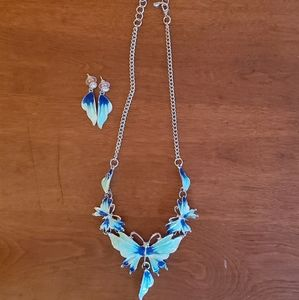Butterfly statement necklace w/matching earrings